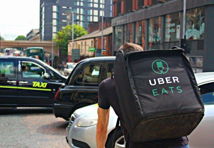 Livreur uber eats en vélo